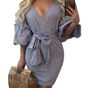 Dresses & Skirts - 🛍Puff sleeve mini dress🛍